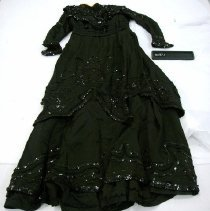 Image of 1977.077.0001 - Dress