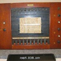 Image of 1985.038.0001 - Transmitter