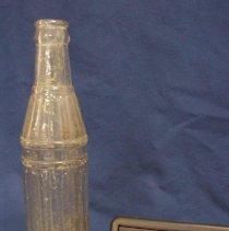 Image of 1987.031.0026 - Bottle