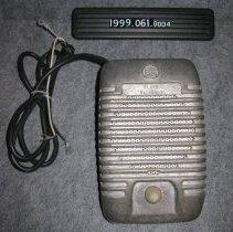 Image of 1999.061.0004 - Speaker