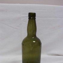 Image of 2000.083.0002 - Bottle