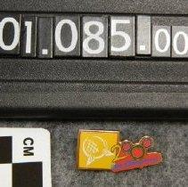 Image of 2001.085.0001c - Pin, Clothing