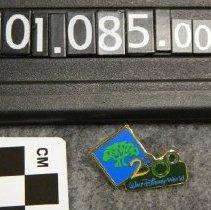 Image of 2001.085.0001f - Pin, Clothing