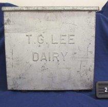 Image of 2002.019.0001 - Box, Food Storage