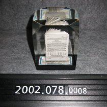 Image of 2002.078.0008 - Paperweight