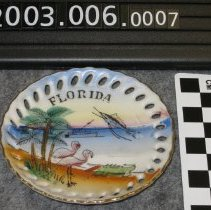Image of 2003.006.0007 - Saucer