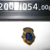 Image of 2006.054.0002 - Badge