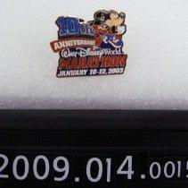 Image of 2009.014.0015b - Pin, Clothing