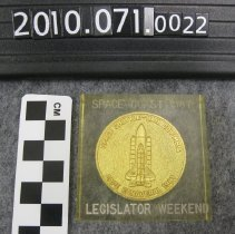 Image of 2010.070.0022 - Paperweight