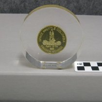 Image of 2010.070.0023 - Paperweight
