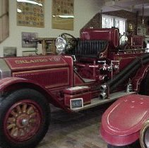 Image of 1984.042.0008 - Fire Engine
