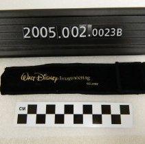 Image of 2005.002.0023b - Case, Pen