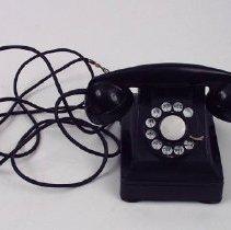 Image of 1993.033.0003 - Telephone