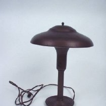 Image of 1985.027.0003A - Lamp