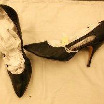 Image of 2008.069.0001-01 - Shoe