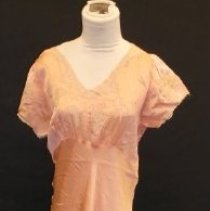 Image of 2004.030.0001 - Nightgown