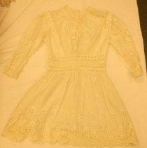 Image of 1400.013.0002 - Dress