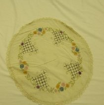 Image of 1988.076.0002 - Doily