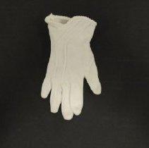 Image of 2007.029.0006-02 - Glove