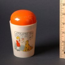 Image of AR_00039 - Child's Plastic Cup w/Color Orphan Annie & Sandy Illustration