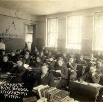 Image of Postcard - Eighth graders, Public School, Hutchinson, MN