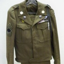 Image of Uniform - U.S. Army uniform, 1945