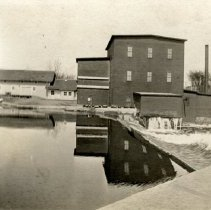 Image of Ames Flour Mill, Hutchinson, MN