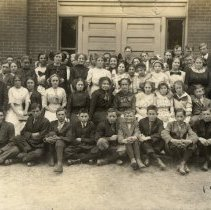 Image of Hutchinson High School class of 1915, in 1912-13