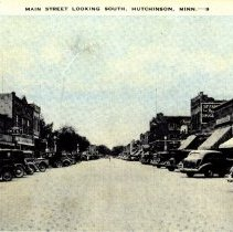Image of Postcard: Main Street Looking South, Hutchinson, Minn