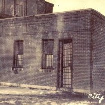 "Image of Postcard-Hutchinson City Jail ""Coop"""