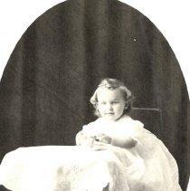 Image of Postcard - Unidentified child-postcard