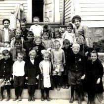 Image of Unidentified school children and teachers