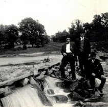 Image of Postcard - Elmer Beihoffer (center) & unidentified men on dam-postcard