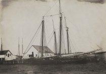 """Image of Stone schooner """"Lucie"""" at Wellfleet dock, 1908"""