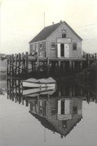 Image of Wonderful reverse image of Capt. Higgins Shellfish Shop. - W0773