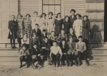 Image of Class photo in front of building - W0870