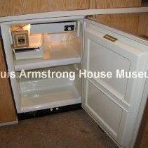 Image of 1987.18.16 - Refrigerator