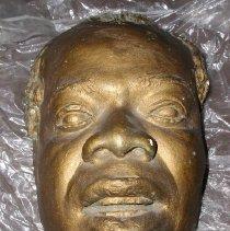 Image of 1987.18.221 - Mask