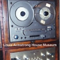 Image of 1987.18.70 - Radio
