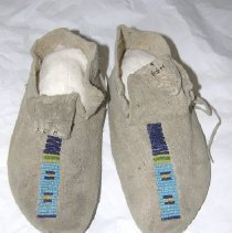 Image of 1932.001.00053 AB - Moccasin