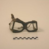 Image of 1980.029.00041 - Goggles