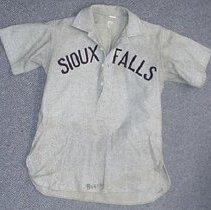Image of 1992.044.00001 - Uniform, Sports