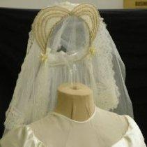 Image of 2006.062.00002 - Veil