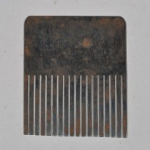 Image of Comb, Graining