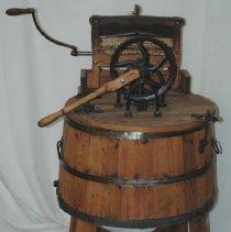Image of Wringer and Washing Machine