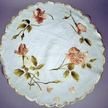 Image of 1960.013.002 - Doily