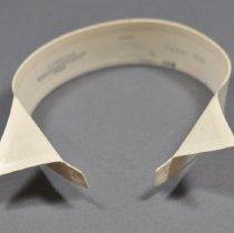 Image of 1961.064.102 - Collar