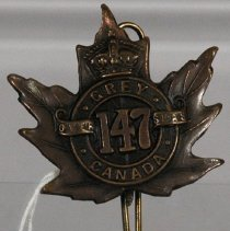 Image of 1970.063.001 - Badge, Military
