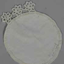 Image of 1971.120.065 - Doily