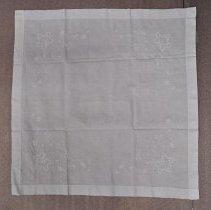 Image of 1971.120.147 - Cloth, Tea